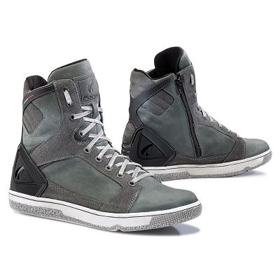 Forma Hyper Shoes